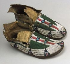 Central Plains Beaded Hide Man's Moccasins Cheyenne late 19th century