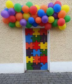 Balloons over Door with Puzzle Pieces design art Cool Doors, Unique Doors, Preschool Door, Closed Doors, Painted Doors, Door Knockers, Art Furniture, Puzzle Pieces, Door Design