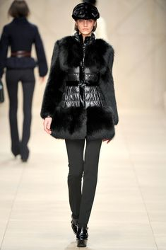 Burberry Fall 2011 Ready-to-Wear Collection Photos - Vogue