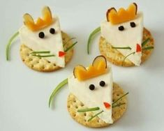 King Cheese Bites from the Nutcracker! These cute little Mouse King cheese bites are a festive Nutcracker snack that are easy to make.and eat!These cute little Mouse King cheese bites are a festive Nutcracker snack that are easy to make.and eat! Cute Food, Yummy Food, Healthy Food, Eating Healthy, Healthy Meals, Food Art For Kids, Easy Food Art, Creative Food Art, Healthy Kids Party Food