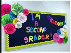 A back to school bulletin board idea. It would make a great photo background too… A back to school bulletin board idea. It would make a great photo background too. Bulletin Board Borders, Bulletin Board Letters, Back To School Bulletin Boards, Classroom Bulletin Boards, Classroom Design, Classroom Displays, School Classroom, Classroom Themes, Classroom Organization