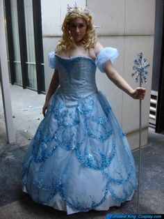 Glinda&-39-s &quot-Bubble Dress&quot- from Wicked! - Costume Research ...