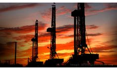 Shale drilling || Image Source: http://www.rigzone.com/images/home/article/hf_116064_EPA.jpg