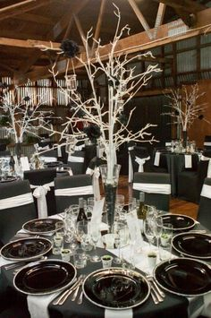 Romantic Rustic Winter Wedding Table Decoration Ideas - Barhloew news Black White Parties, Black And White Theme, White Wedding Decorations, Table Decorations, Black Tie Wedding, Black Decor, White Decor, Wedding Table, Wedding Ideas