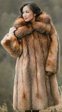 Eric Kramer, Fur Fashion, Womens Fashion, Fox Fur Coat, Photo Instagram, Neck Warmer, Mantel, My Girl, Poses