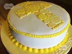 tortas y cupcakes para primera comunion - Buscar con Google Dedication Cake, First Communion Cakes, Birthday Cake, Desserts, Food, Iglesias, Ideas, Google, Cooking