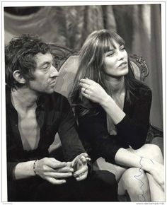 Serge Gainsbourg and Jane Birkin in the courtyard of the French National College of Fine Arts, January 1970 . Serge Gainsbourg, Gainsbourg Birkin, Charlotte Gainsbourg, Lou Doillon, The Body Shop, Repetto Paris, Style Jane Birkin, Jane Birken, Kate Barry