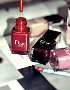 Dior Nail Polish // Love this colour! Dior Nail Polish, Dior Nails, Nail Polishes, Love Nails, Pretty Nails, Christian Dior, High Fashion Makeup, Perfume, Beauty Lounge