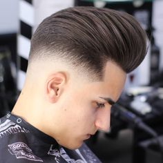 Mid Fade Haircuts In 2020 What is Mid Fade 20 Best Medium Fade Haircuts Mens Hairstyles Pompadour, Older Mens Hairstyles, Famous Hairstyles, Celebrity Hairstyles, Hairstyles Haircuts, Haircuts For Men, Cool Hairstyles, Trending Hairstyles, Latest Hairstyles