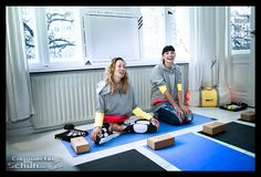 EISWUERFELIMSCHUH - ADIDAS Stella McCartney Collection Berlin Yoga (13)