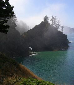Secret Beach - Pacific Coast Trail, Oregon... Reading a book about this place and I wouldn't mind visiting! (I wouldn't hike the whole trail though)