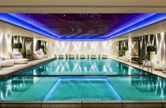 Elegant Swimming Pool Decorating