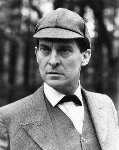 Sherlock - jeremy-brett-as-sherlock-holmes Photo Ian Richardson, Jeremy Brett Sherlock Holmes, Famous Detectives, Dr Watson, Invisible Man, 221b Baker Street, Arthur Conan Doyle, Moriarty, Granada