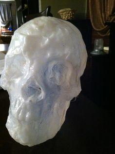great tutorial on reproducing a skull with a milk jug. Looks like you need a starter skull and a heat gun though. Halloween 2015, Halloween Projects, Holidays Halloween, Happy Halloween, Halloween Decorations, Halloween Party, Halloween Skeletons, Halloween Skull, Skull Crafts
