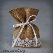 burlap with lace drawing bagShop for wedding favor bags on Etsy, the place to express your creativity through the buying and selling of handmade and vintage goods.Rustic Burlap Wedding Design and Home Decor by Teomil Wedding Favors And Gifts, Wedding Favor Bags, Wedding Candy, Burlap Crafts, Diy Crafts, Candy Buffet Bags, Burlap Gift Bags, Lavender Bags, Handmade Shop