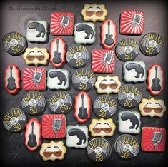 Rock & Roll Cookies - by Le Monnier du Biscuit Rolled Sugar Cookies, Roll Cookies, Cake Cookies, Iced Cookies, Elvis Cakes, Music Cookies, Music Themed Cakes, Rock And Roll Birthday, Wedding Planning Timeline