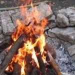 Teen party, what? Great ideas for my BIRTHDAY bonfire party! Teen party, what? Great ideas for my BIRTHDAY bonfire party! Sweet 16 Bonfire, Bonfire Birthday Party, Bonfire Parties, Outdoor Birthday, Birthday Parties, Teen Birthday, 15th Birthday, Birthday Ideas, Sweet 16 Parties