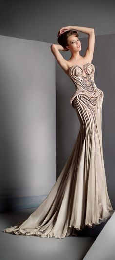Blanka Matragi Haute Couture 2012  http://myfashion-diary.livejournal.com/954150.html