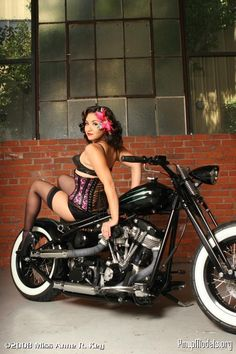 Real Pin Up Girls Photography | CustomFighters.com Streetfighter Motorcycle Forum > Pin-Up Girls