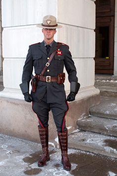 Cop Uniform, Police Uniforms, Men In Uniform, Police Officer, Rhode Island State Police, German Costume, British Army Uniform, Star Wars Characters Pictures, Hot Cops