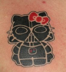 tatouages hello kitty dark vador   15 tatouages Hello Kitty insolites   vendredi 13 The Walking Dead tatouage tatoo squelette spoke photo im...