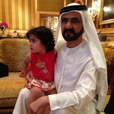 Aisha MHS y su abuelo Mohammed RSM (16/07/2013) Vía: Latifa MRM
