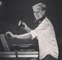 armin van buuren A State Of Trance, Heisenberg, Best Dj, Armin Van Buuren, Valar Morghulis, Dance Music, Edm, Game Of Thrones, Concert