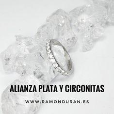 Sortijas en plata de ley con baño de rodio y circonitas. Alianza plana. Wedding Rings, Engagement Rings, Jewelry, Sterling Silver, Rocks, Enagement Rings, Jewlery, Jewerly, Schmuck