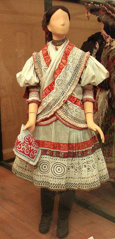 Traditional costume for a young girl, from Martos, Hungary, early From the Museum of Ethnography, Budapest. Tribal Costume, Folk Costume, Costume Dress, Folk Fashion, Ethnic Fashion, Traditional Fashion, Traditional Dresses, Historical Costume, Historical Clothing