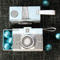Clever gift packaging idea and you can put some chocolates inside - a doubly fun gift! Letterpress Camera Box