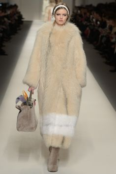 Fendi RTW Fall 2015 - Slideshow #xtravagans