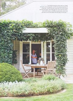 Farmhouse patio doors - Ali's gorgeous home (and my art!) in Australian Home Beautiful – Farmhouse patio doors Farmhouse Patio Doors, Farmhouse Garden, Weatherboard House, Queenslander, Australian Homes, French Country Style, European Style, Outdoor Areas, French Doors