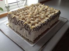 Et sikkert hit hos alle. Danish Cake, Danish Food, Cake Cookies, Cupcake Cakes, Torte Cake, Piece Of Cakes, Let Them Eat Cake, No Bake Cake, Sweet 16