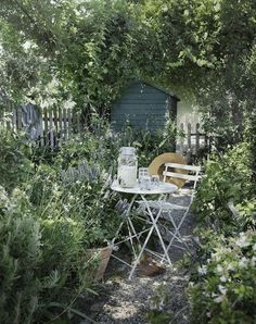 24 Stunning Secret Garden Design Ideas For Summer Small Cottage Garden Ideas, Cottage Garden Design, Small Courtyard Gardens, Outdoor Gardens, Outdoor Rooms, Outdoor Ideas, Outdoor Furniture, Back Garden Design, Patio Design