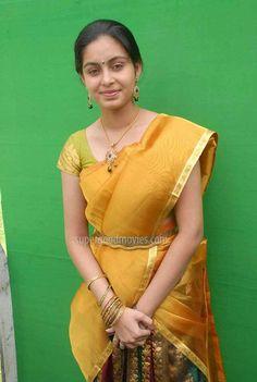 Abhinaya Photos - Abhinaya in Half saree India People, Beautiful Girl Indian, Half Saree, Traditional Wedding, Indian Beauty, Wedding Bride, Desi, Queens, Passion