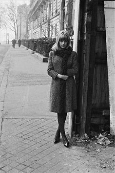faithfullforever:  Marianne Faithfull in Paris, 1965. Photo by Roger Kasparian.  More shots of Marianne in Paris.