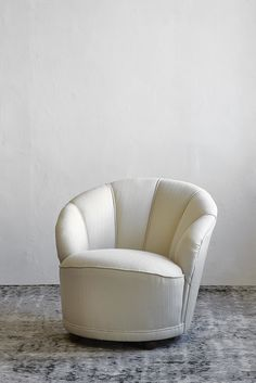 This item has been lovingly restored by Bofred.  Upholstered in cream polyester cotton fabric.  We offer free delivery service within Cape Town. For nationwide deliveries we use a reputable courier company. Please allow for 2 - 5 working days for delivery.  Dimensions  790mm (W) x 880mm (D) x 740mm (H)      Design  Shell bedroom chair.     *Please note this is a second hand item and there may be deviations.       If you would like to order this item please email us at:  info@bofred.co.za …