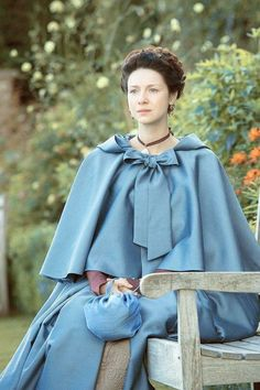 "snowwhitelass: "" jonsofwinterfell: ""Claire Fraser in Untimely Resurrection x "" She is so beautiful! Love the costumes 💙💙💙 "" Claire Fraser, Outlander Season 2, Outlander Tv Series, Period Costumes, Movie Costumes, Historical Costume, Historical Clothing, Historical Romance, Halloween Disfraces"