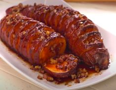 Delicious Sweet Potato Recipe I Wish I Knew Years Ago Baked Sweet Potato Slices, Sweet Potato Pecan, Sweet Potato Recipes, Sweet Potato Recipe With Maple Syrup, Baked Potato, Batatas Hasselback, Hasselback Sweet Potatoes, Potato Dishes, Vegetable Dishes
