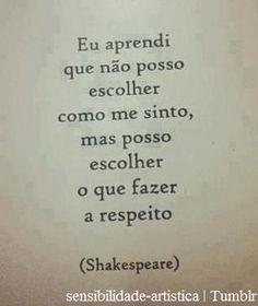 AQUELA QUALQUER COISA      AQUELA QUALQUER COISA... E as lágrimas corri... Favorite Quotes, Best Quotes, Magic Words, Some Words, Amazing Quotes, William Shakespeare, Positive Vibes, Sentences, Inspirational Quotes