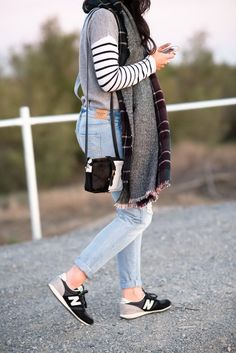 58 trendy sneakers outfit new balance casual trainers New Balance Outfit, New Balance スニーカー, New Balance Trainers, Street Style Vintage, Street Style Women, Schwarzer Mantel Outfit, Tennisschuhe Outfit, Outfit Ideas, Jeans Und Sneakers