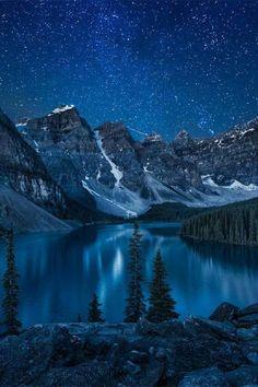 Morain Lake at night