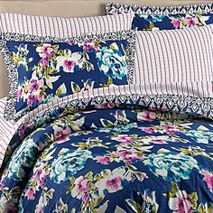 Wander Home Krysten Reversible Duvet Cover Set