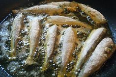 A classic dish from the past that's still enjoyed today throughout the islands and wherever we migrate to! I wonder if KFC will start serving this soon?    The full recipe can be found at: caribbeanpot.com/memories-of-fry-dry-sardines-had-me-crav...     Yummy!  This would be great for dinner!  http://cookwarereview.org