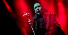 Marilyn Manson Crushed by Stage Prop, Cuts New York Show Short #headphones #music #headphones