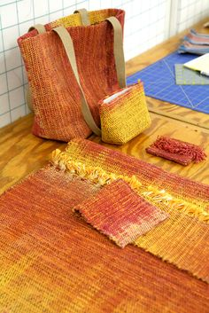 """This would be perfect for the Schacht Cricket Loom! Weaving Project from Kathrin Weber's class """"Bags, Bags, Bags"""" February Weaving Textiles, Weaving Patterns, Tapestry Weaving, Stitch Patterns, Knitting Patterns, Diy Tricot Crochet, Crochet Granny, Loom Weaving, Hand Weaving"""