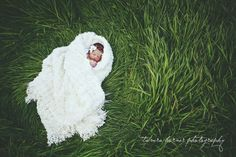 outdoor newborn photography | tamra horner photography