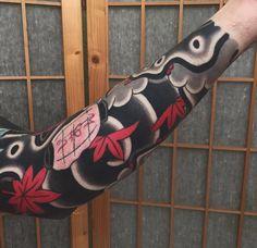 Japanese Tatoo, Japanese Tattoo Designs, Japanese Sleeve Tattoos, Japanese Art, Japanese Style, J Tattoo, Lion Tattoo, Body Art Tattoos, Tatoos