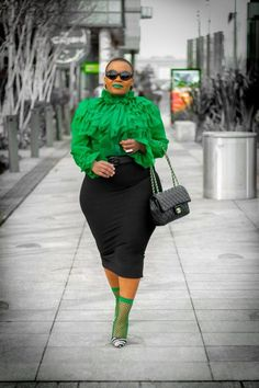 Top Twelve Styles Every Plus Size Woman should give a try - The Kenyan Fashionado Look Plus Size, Plus Size Women, Curvy Girl Fashion, Plus Fashion, Womens Fashion, Retro Fashion, Style Working Girl, Plus Size Dresses, Plus Size Outfits
