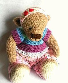 Gehäkeltes Teddybärin/Crochet Teddy(Baby) von Perzl-Puppen auf DaWanda.com